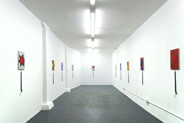 DISCONNECTED PAINTINGS
