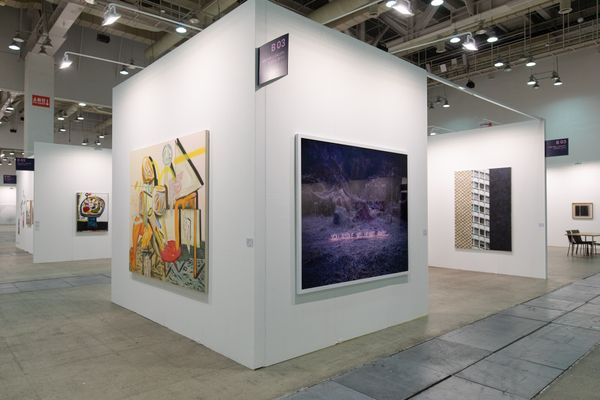MAIN B03 : One and J. Gallery